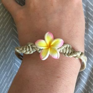 Jewelry - Hawaiian bracelet